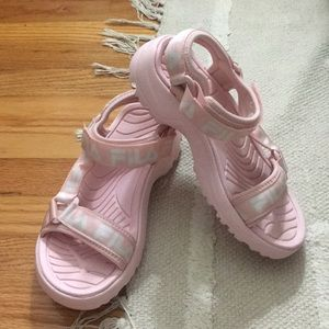 Fila outdoor Velcro sandals pink/white